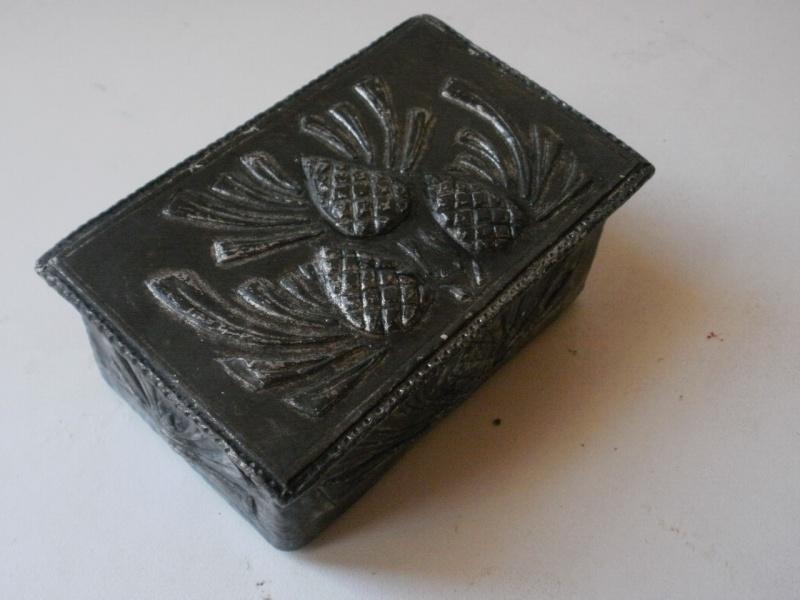 boite à timbres recouverte d'étain P7110113