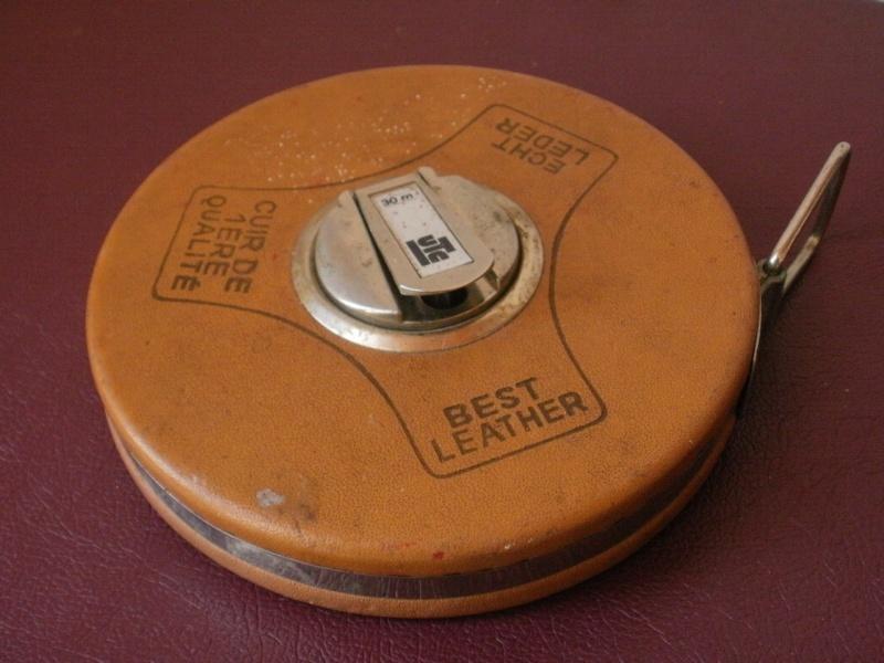 triple décametre en cuir P7110116