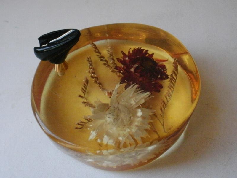 sulfure en résine porte stylo fleurs P7110211