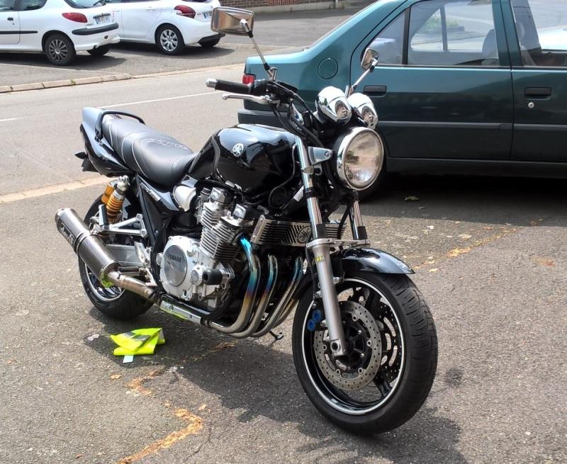 Une black de 2006 Clipbo10