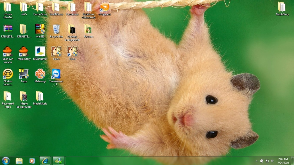 Post a picture of your Desktop Backgr12
