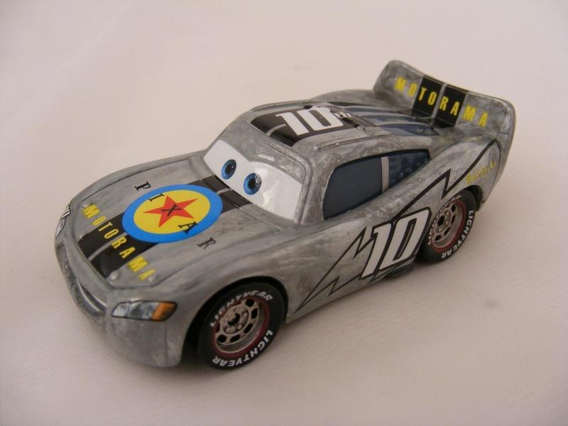 [recensement] Lightning McQueen Pixar Motorama - Page 6 Mcquee10