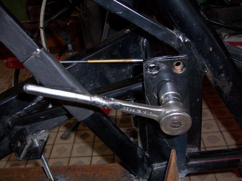 Dépose moteur modification des bras V1 en V2 suivant modèle SECMA 100_4276