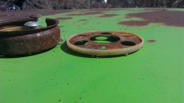 Four spoke sports sreering wheel. Sporth11