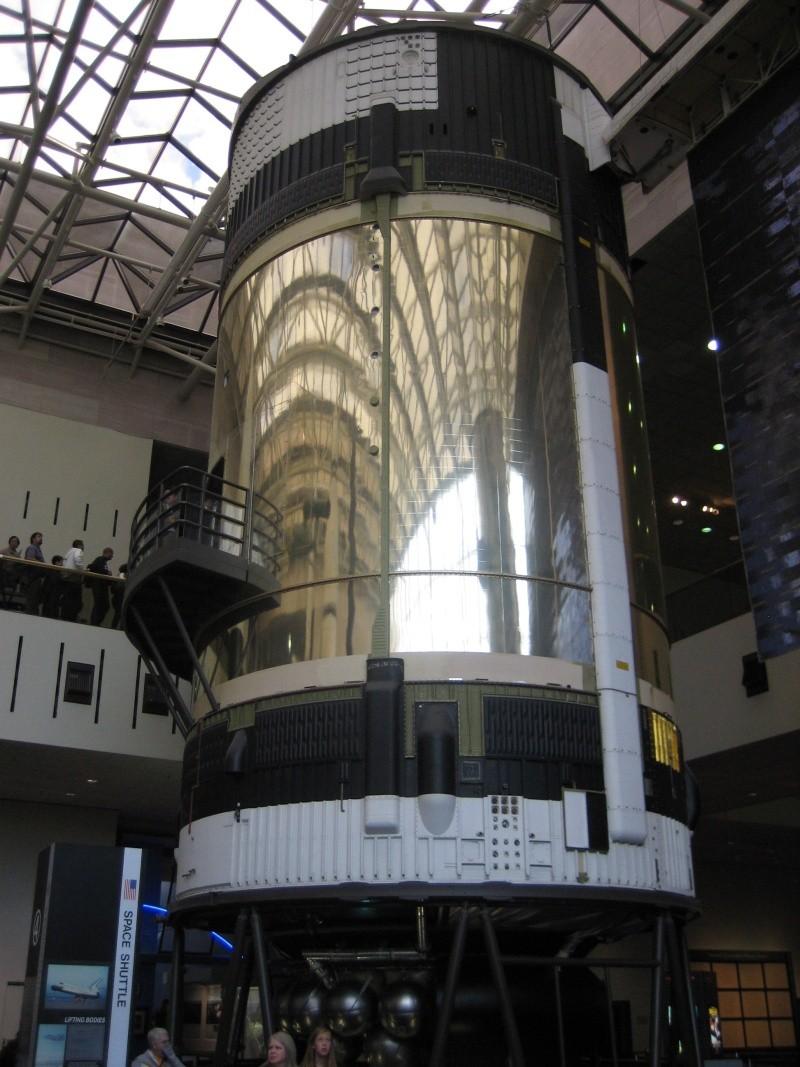 Transfert 1er étage saturn V du Michoud Assembly au Stennis Space Center Img_2414