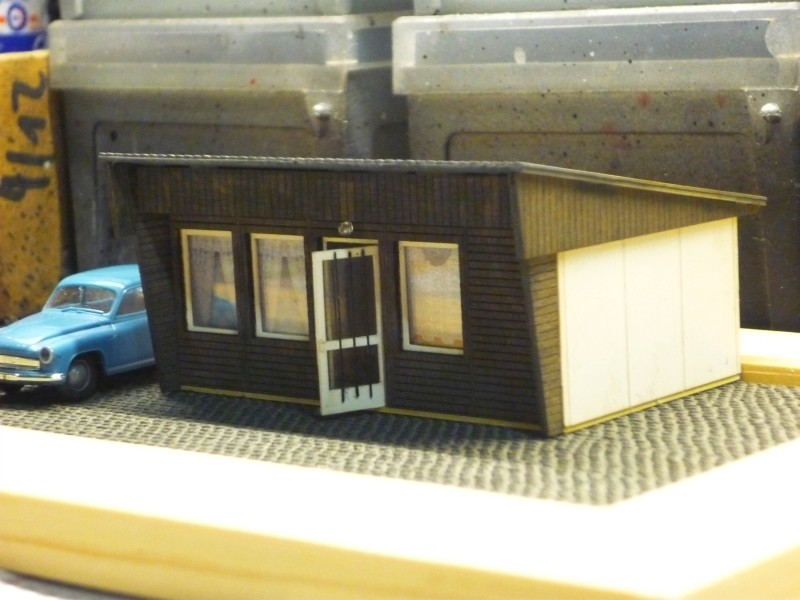 DDR-Bungalow B22 00111