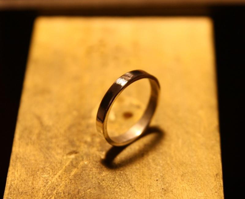 Premier anneau, en argent, une soudure. Img_9926