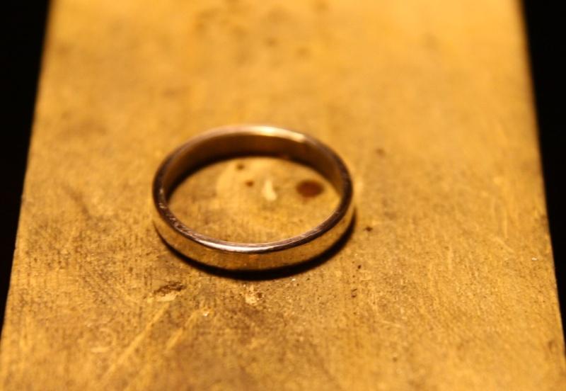Premier anneau, en argent, une soudure. Img_9927