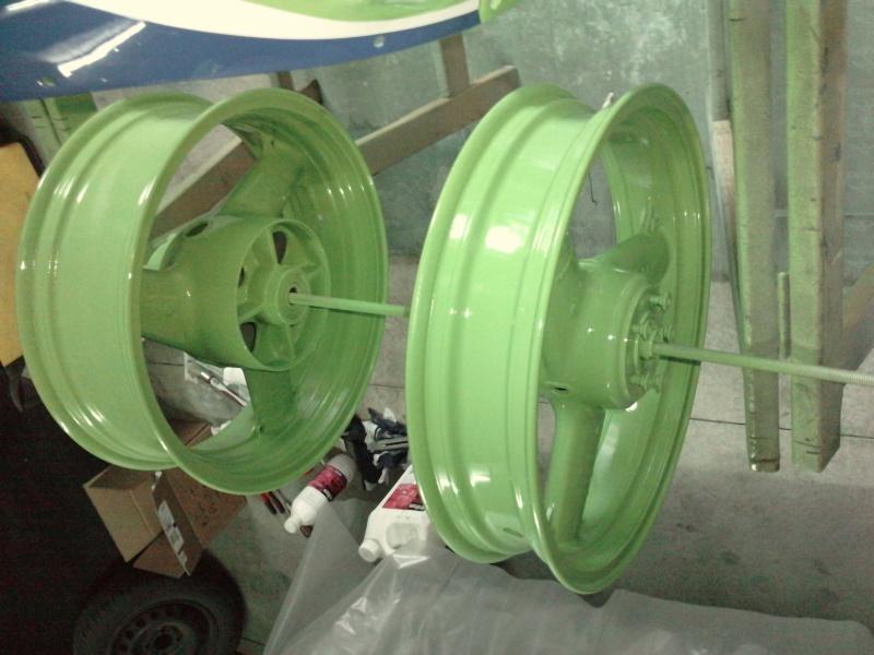 Ma verte en cours de resto peinture  P2408117
