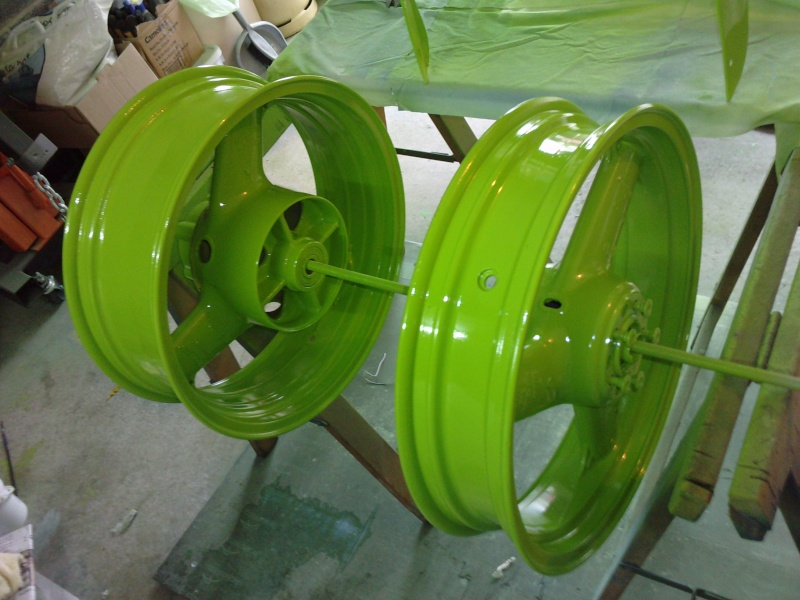 Ma verte en cours de resto peinture  P2408138