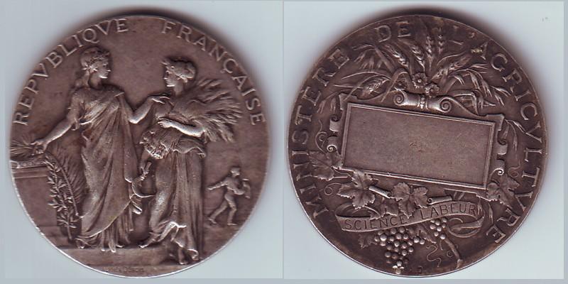 Recherche de date pour cette médaille du ministère de l'agriculture Serie-15