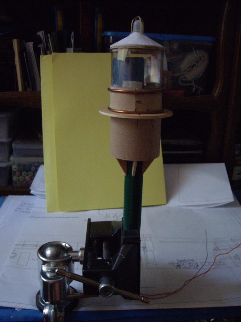 """CONSTRUCTION du BATEAU FEU  """"SANDETTIE"""" - Page 2 0_2510"""
