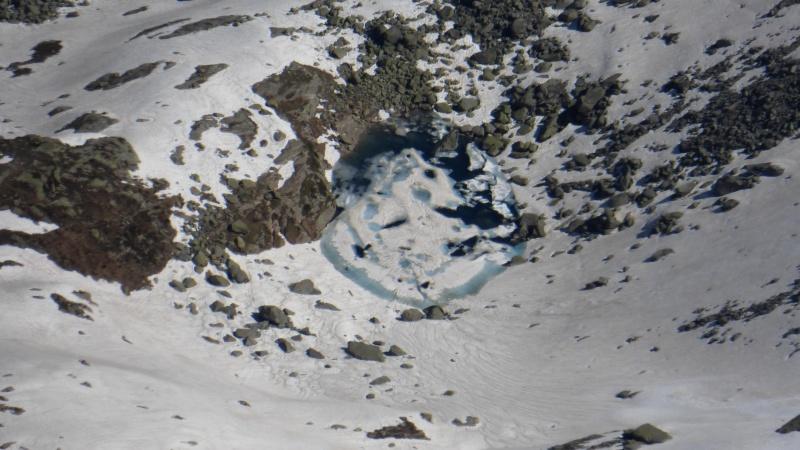 Photos de lacs de montagne, petits ou grands. - Page 2 P1040415