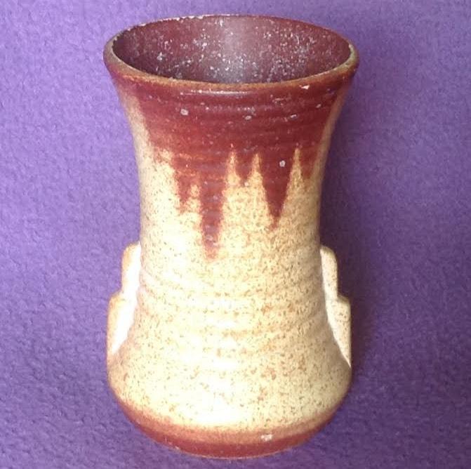 Crown Lynn vase #1 ? 1-210