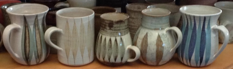 Hanmer Pottery mugs (4,5,6) and bowls (2) Hanmer14