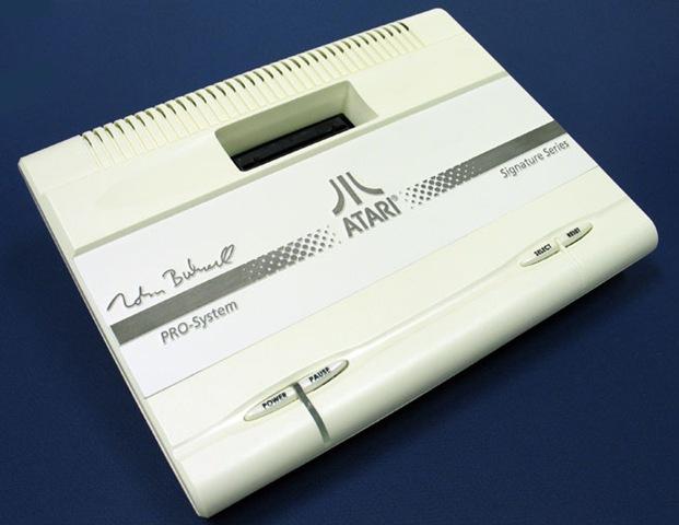 Consoles étranges , Machines méconnues ou jamais vues , du proto ou de l'info mais le tout en Photos - Page 6 Nolan-10