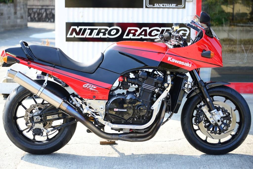 Kawasaki GPZ-R 900 et 750, 1000 RX, ZX 10 TOMCAT - Page 7 D800_010