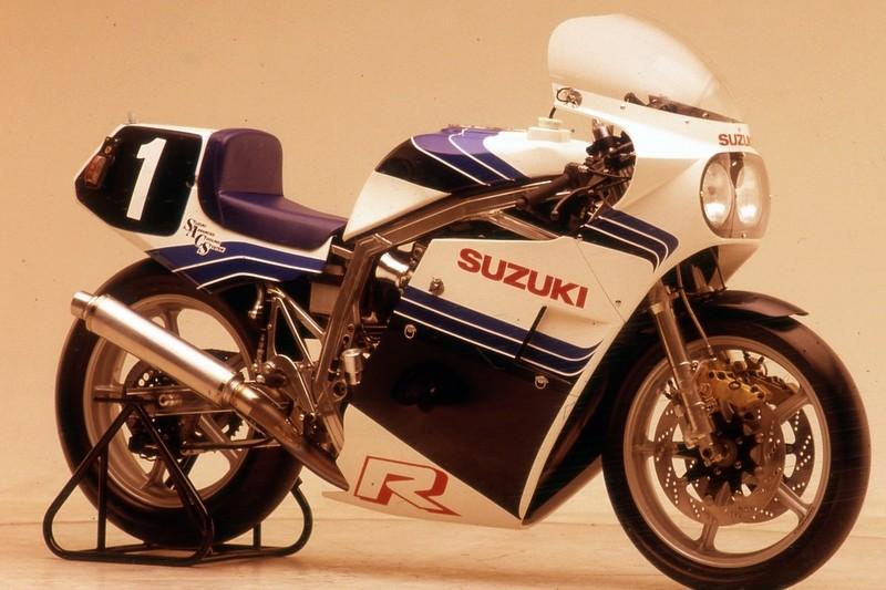 Suzuki GSX-R Slabside 750 (85-87) et 1100 (86-88) - Page 39 Img_210