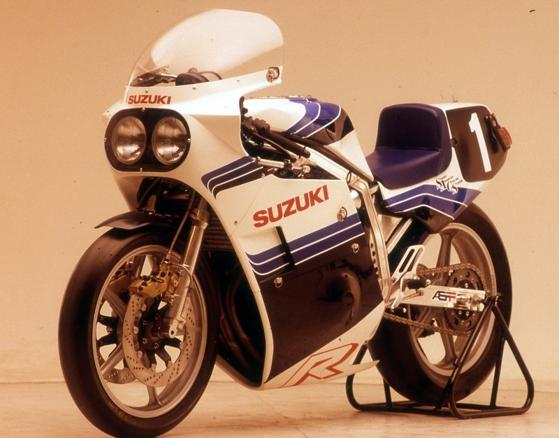 Suzuki GSX-R Slabside 750 (85-87) et 1100 (86-88) - Page 39 Img_311