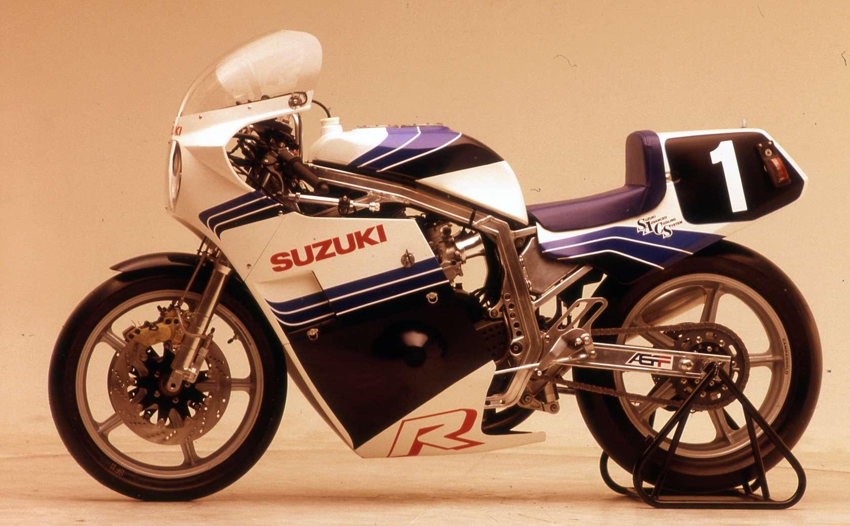 Suzuki GSX-R Slabside 750 (85-87) et 1100 (86-88) - Page 39 Img_510