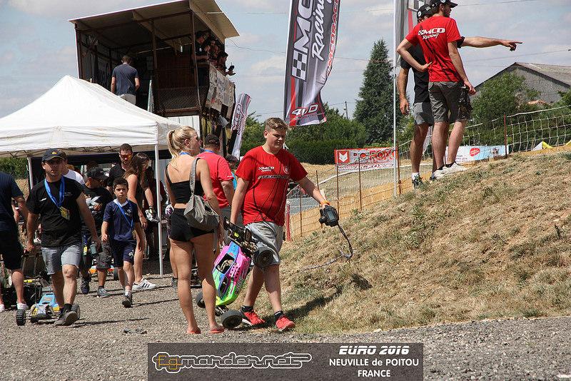 (reportage course)  Championnat d'europe -  Neuville Poitou - Page 4 28076410