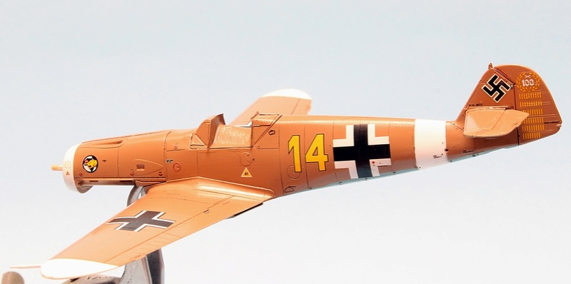 Bf-109 F-4/Trop H.J. Marsellie - FM 1/72 Img_6824