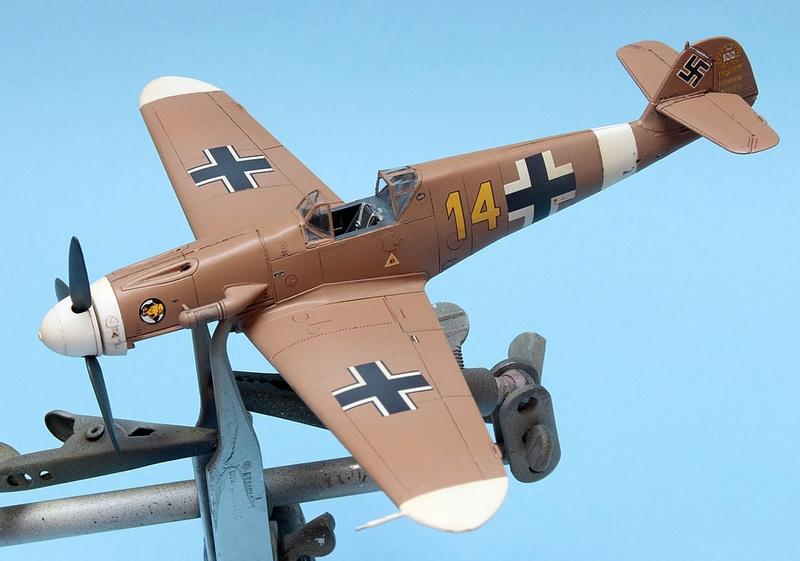 Bf-109 F-4/Trop H.J. Marsellie - FM 1/72 Img_6825