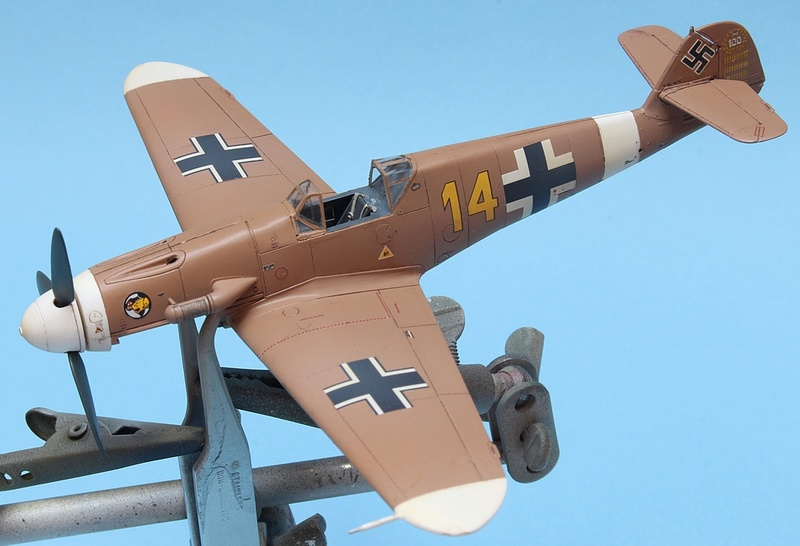 Bf-109 F-4/Trop H.J. Marsellie - FM 1/72 Img_6826