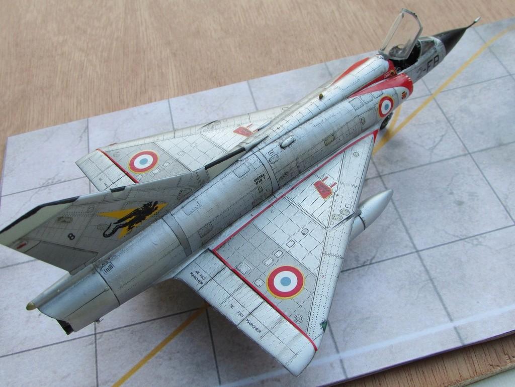 "[RV Aircraft] Mirage IIIC SPA 94 ""Mort qui fauche"" ECT 02/002 ""Cote d'Or"" Img_2718"