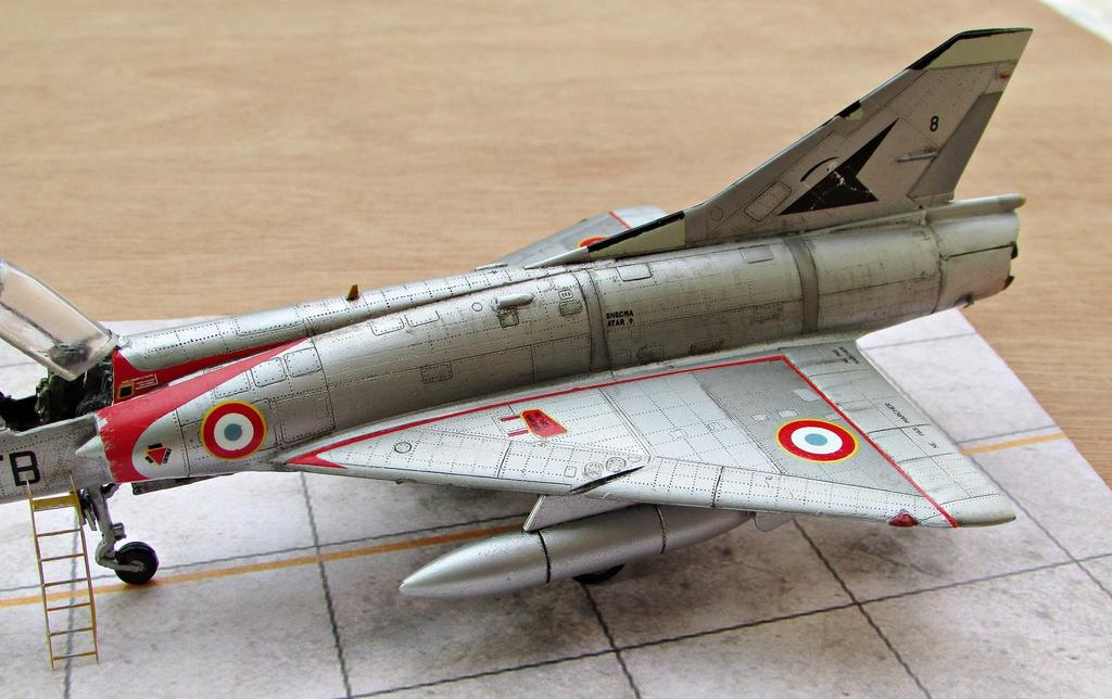 "[RV Aircraft] Mirage IIIC SPA 94 ""Mort qui fauche"" ECT 02/002 ""Cote d'Or"" Img_2723"