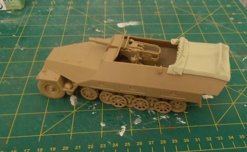 Sdkfz 251/9 ausf d ( 1/35eme ) P7281110