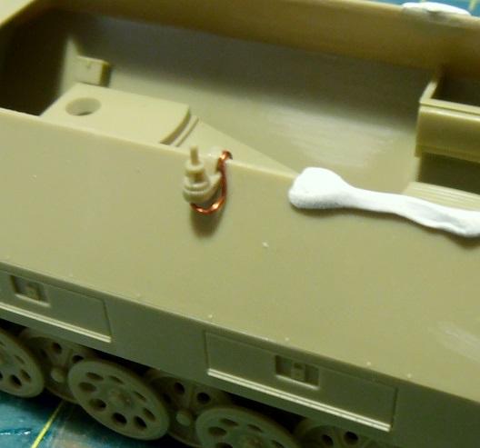 Sdkfz 251/9 ausf d ( 1/35eme ) P8121210