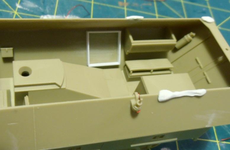 Sdkfz 251/9 ausf d ( 1/35eme ) P8121213