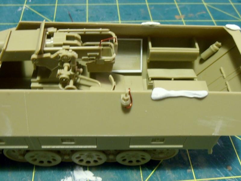 Sdkfz 251/9 ausf d ( 1/35eme ) P8121215