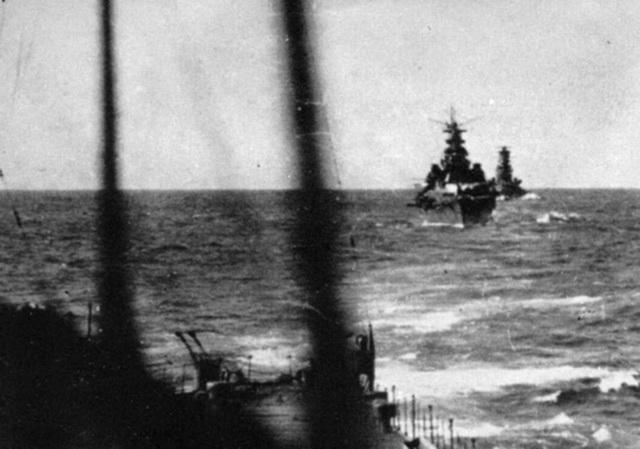 Croiseurs japonais - Page 4 Atago_10