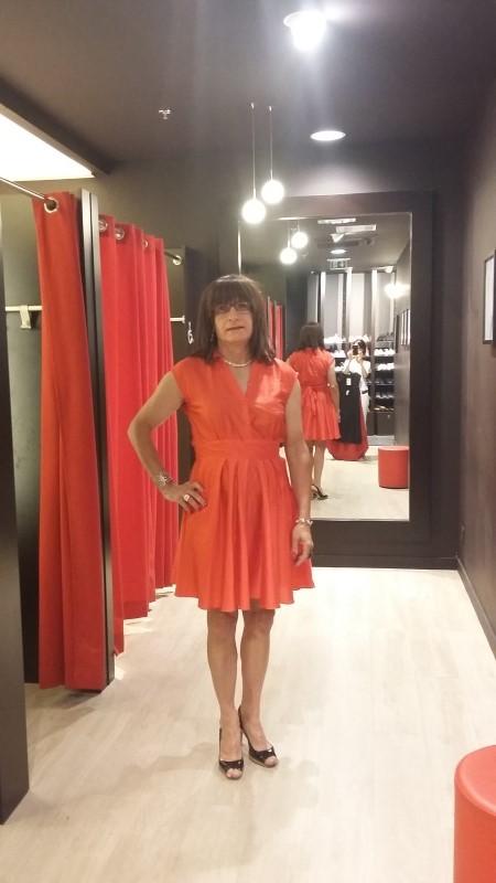 Une nouvelle robe - Page 2 27061610