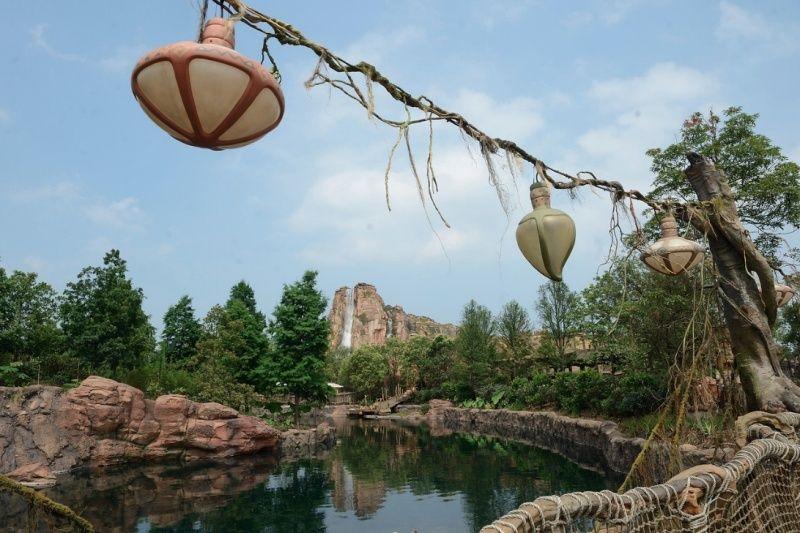 [Shanghai Disneyland] ADVENTURE ISLE (Soaring.../Roaring Rapids/Camp Discovery/Tarzan) - Page 2 310