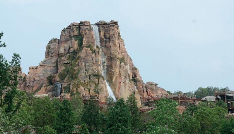 [Shanghai Disneyland] ADVENTURE ISLE (Soaring.../Roaring Rapids/Camp Discovery/Tarzan) - Page 2 Captur41