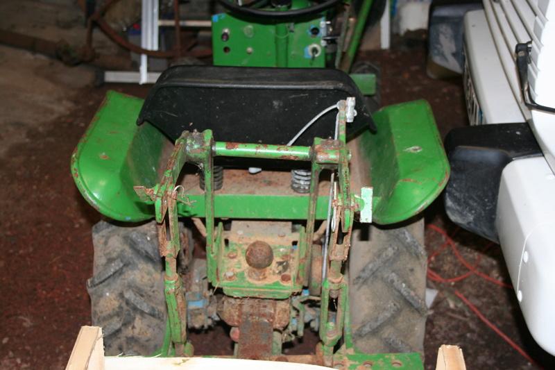 un micro tracteur motostandard 1030 qui a besoin de soins Img_1615