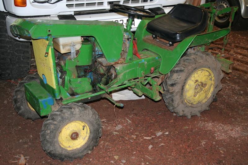 un micro tracteur motostandard 1030 qui a besoin de soins Img_1618