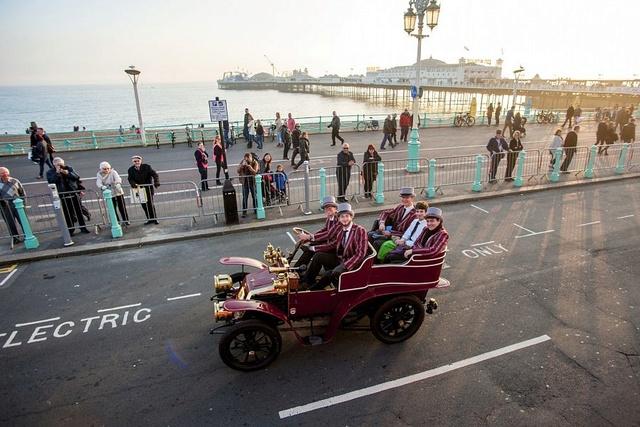 London to Brighton Veteran Car Run 2016 Bright10