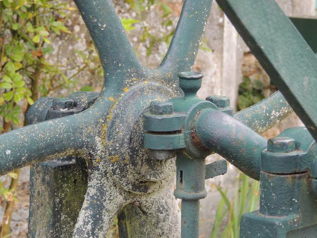 Les pompes à eau de nos villages Dscn7522