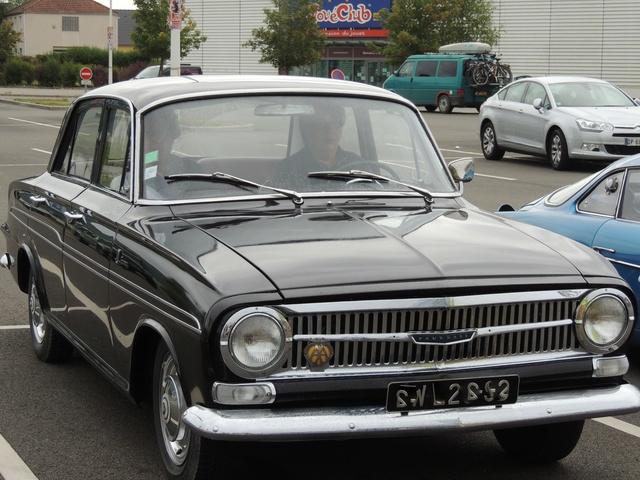 Une fille de la GM: Vauxhall VX 4/90 1963 Dscn7531