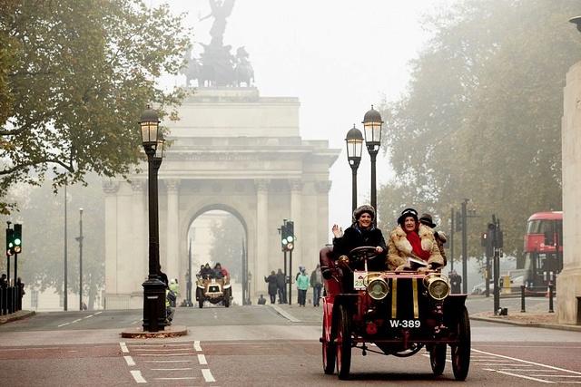 London to Brighton Veteran Car Run 2016 London10