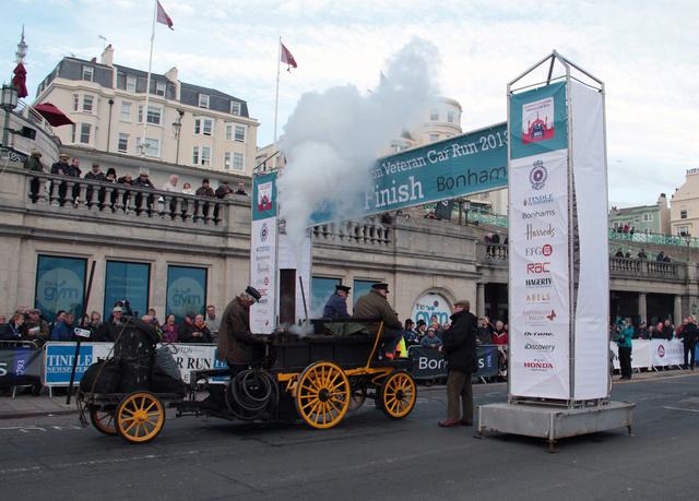 London to Brighton Veteran Car Run 2016 Salves13