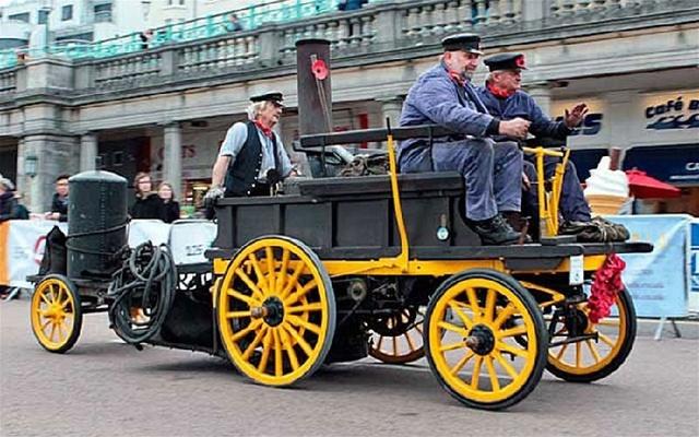 London to Brighton Veteran Car Run 2016 Salves16