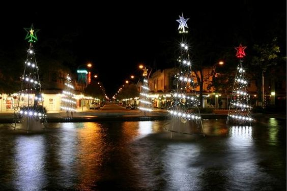 Les illuminations de Noël pour les fêtes 2.015   2.016 ! - Page 9 4c158810