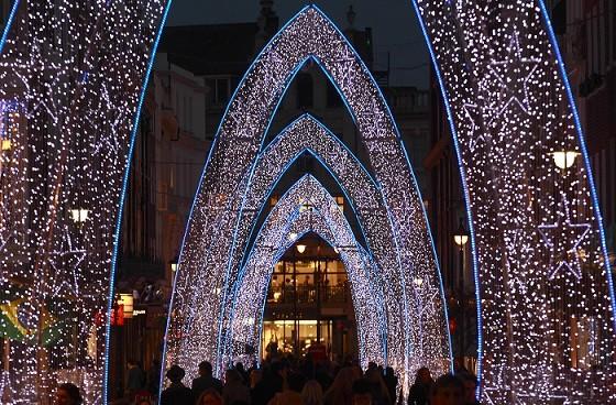 Les illuminations de Noël pour les fêtes 2.015   2.016 ! - Page 8 Christ10