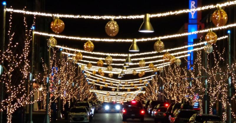 Les illuminations de Noël pour les fêtes 2.015   2.016 ! - Page 8 Holida10