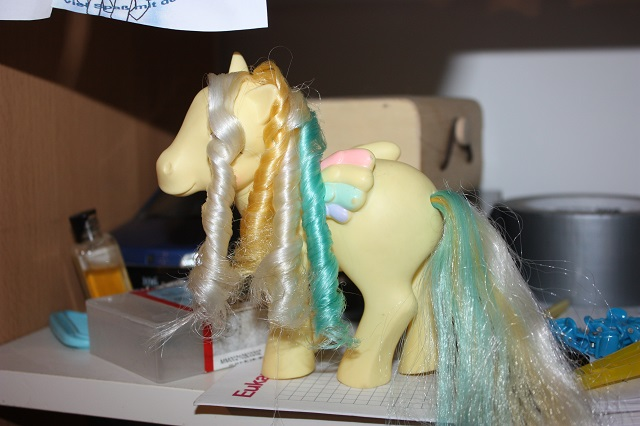 [TUTO - COIFFURE] Refaire des anglaises (poney, FSF) - Page 3 Img_9085